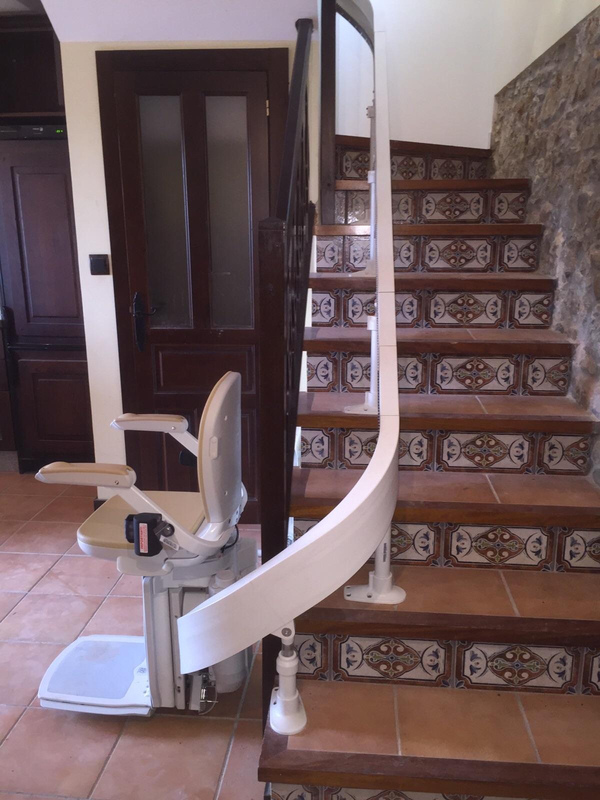Salvaescaleras lleida sillas salvaescaleras for Silla salvaescaleras
